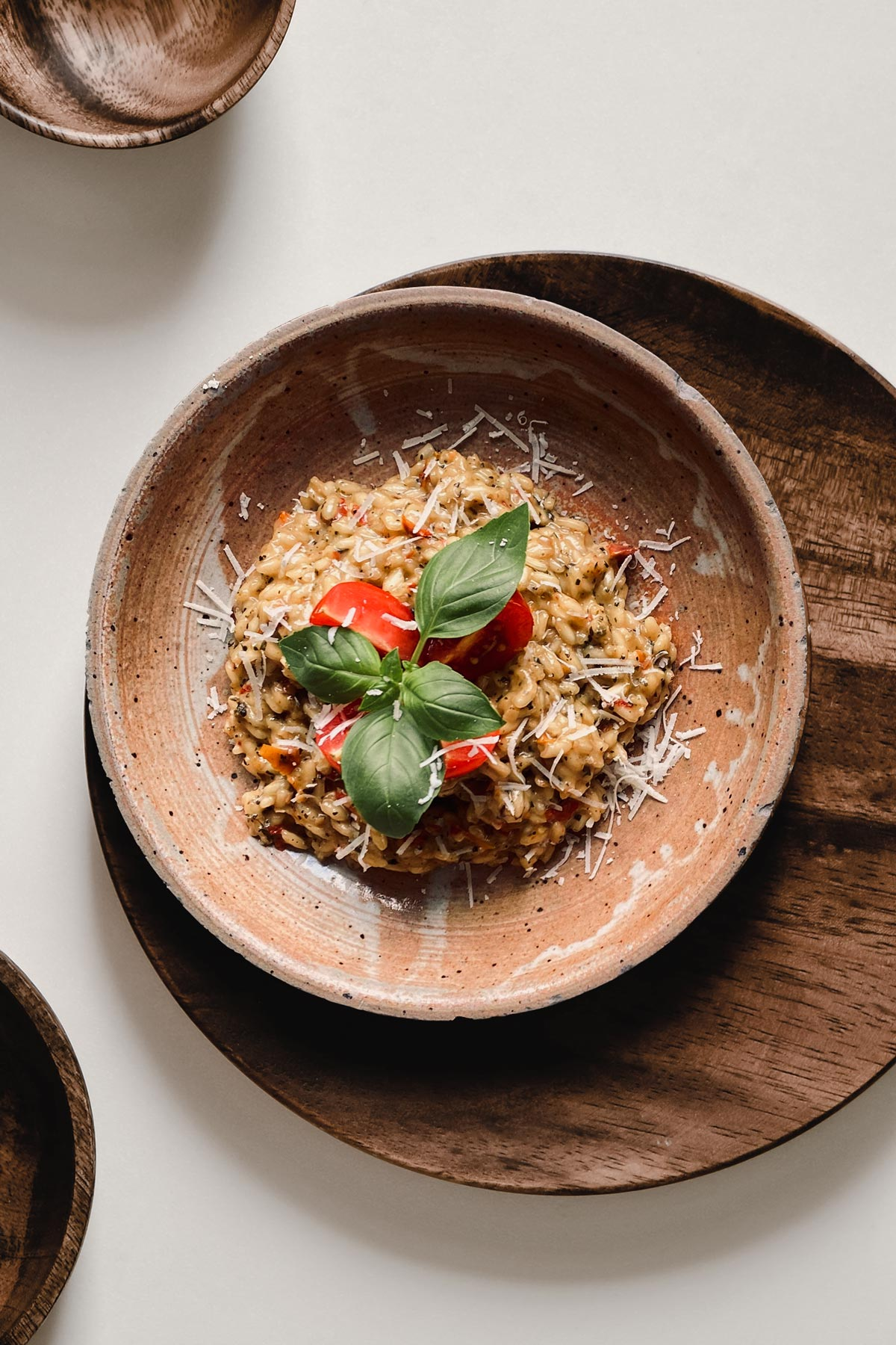 Tomatenrisotto mit Basilikum